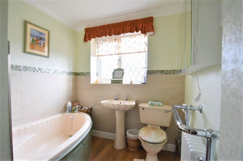 3 bed house for sale in Tythe Barn Close 11