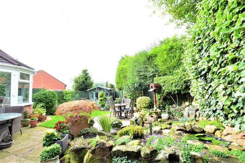 3 bed house for sale in Tythe Barn Close 13