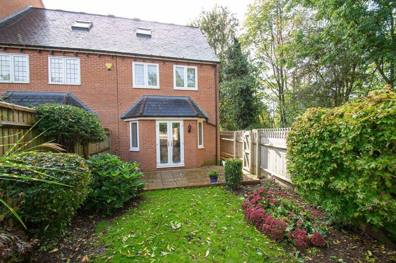 3 bed house for sale in Shakels Close 2