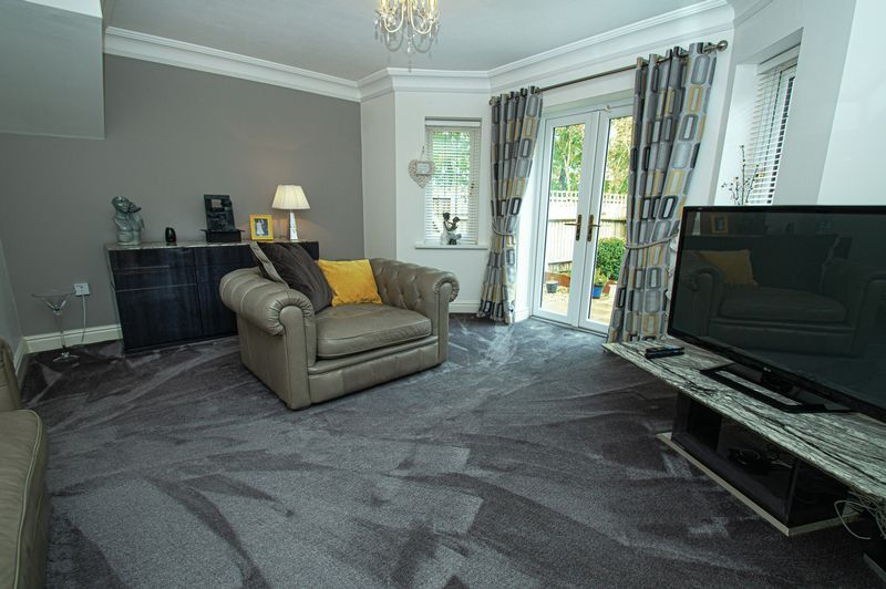 3 bed house for sale in Shakels Close  - Property Image 5