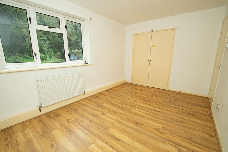 1 bed flat for sale in Pebble Close  - Property Image 6