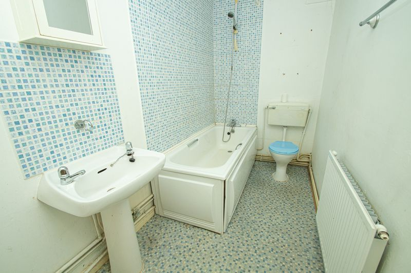1 bed flat for sale in Pebble Close  - Property Image 7
