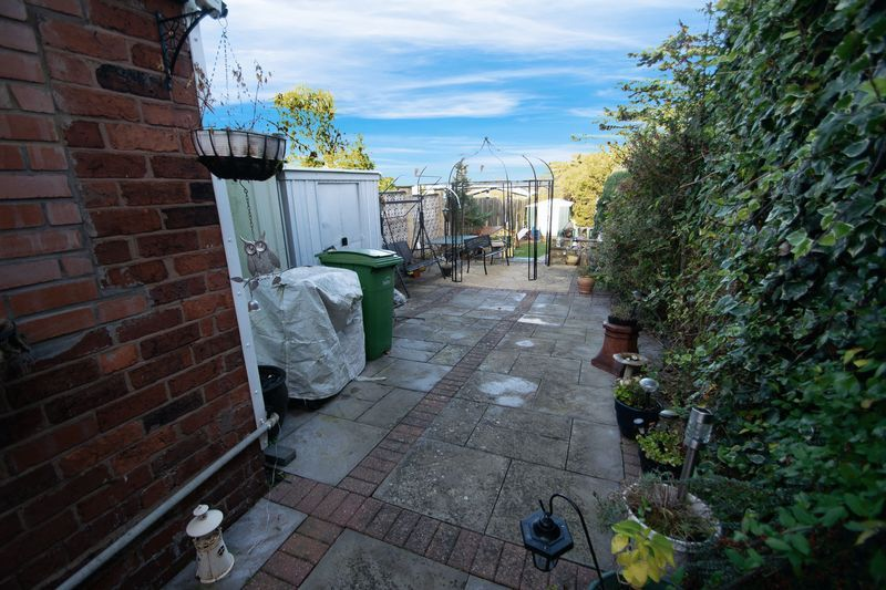 3 bed house for sale in Hagley Road 17