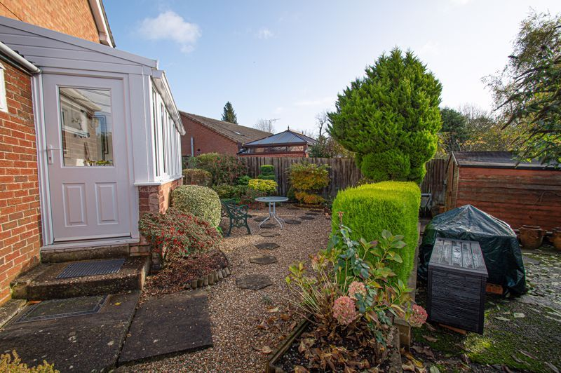 3 bed house for sale in Little Acre 10