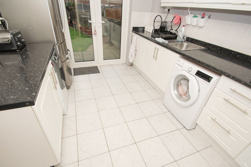 3 bed house for sale in Trimpley Road 6