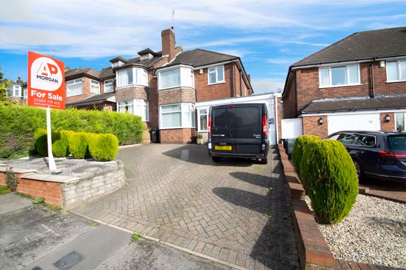 3 bed house for sale in Raddens Road 1