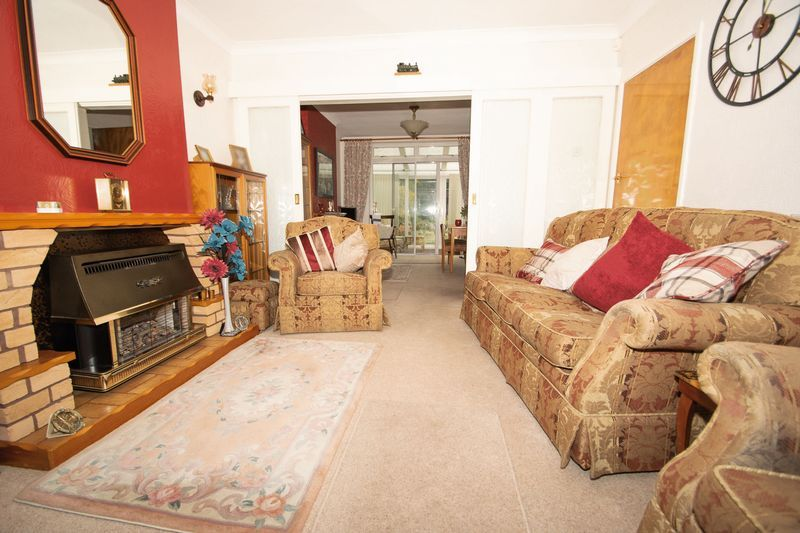 3 bed house for sale in Raddens Road  - Property Image 2