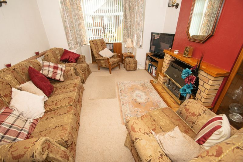 3 bed house for sale in Raddens Road  - Property Image 3