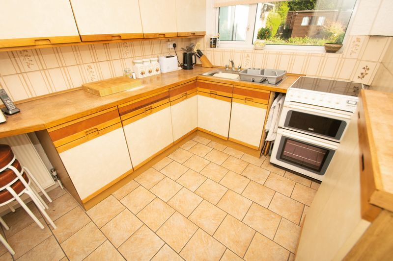 3 bed house for sale in Raddens Road  - Property Image 5