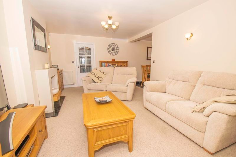 3 bed house for sale in Fernleigh Gardens  - Property Image 2
