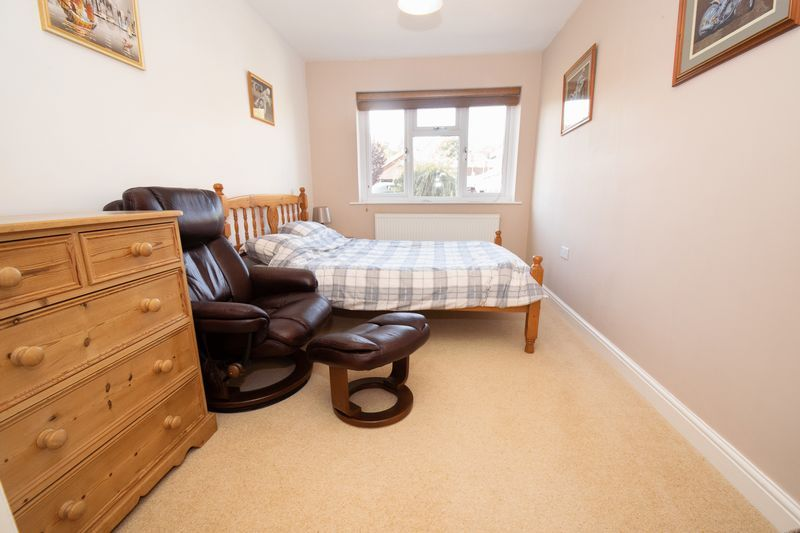 3 bed house for sale in Fernleigh Gardens 12