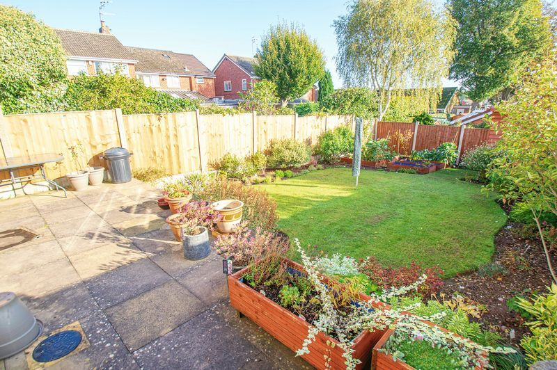 3 bed house for sale in Fernleigh Gardens 15