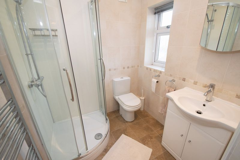3 bed house for sale in Fernleigh Gardens 9
