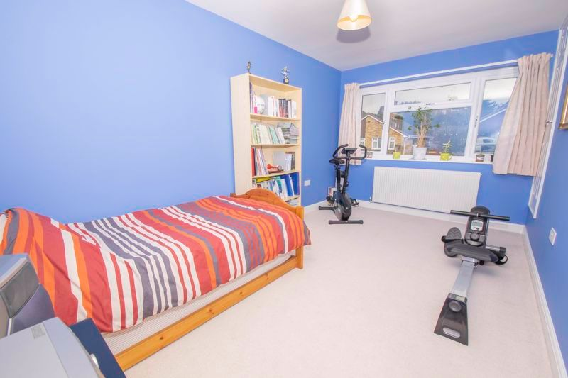 3 bed house for sale in Fernleigh Gardens 10