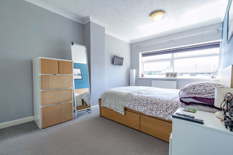 3 bed house for sale in Pennine Road 7