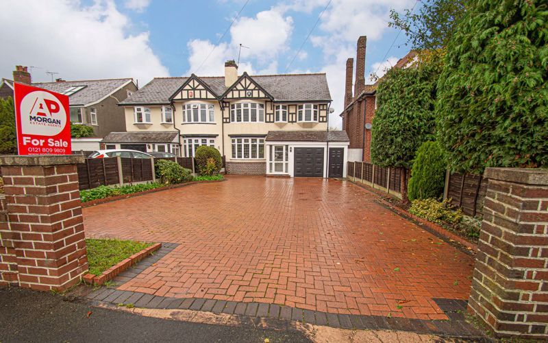 4 bed house for sale in Hagley Road 1