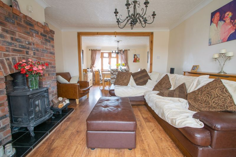 3 bed house for sale in Bournebrook Crescent 2