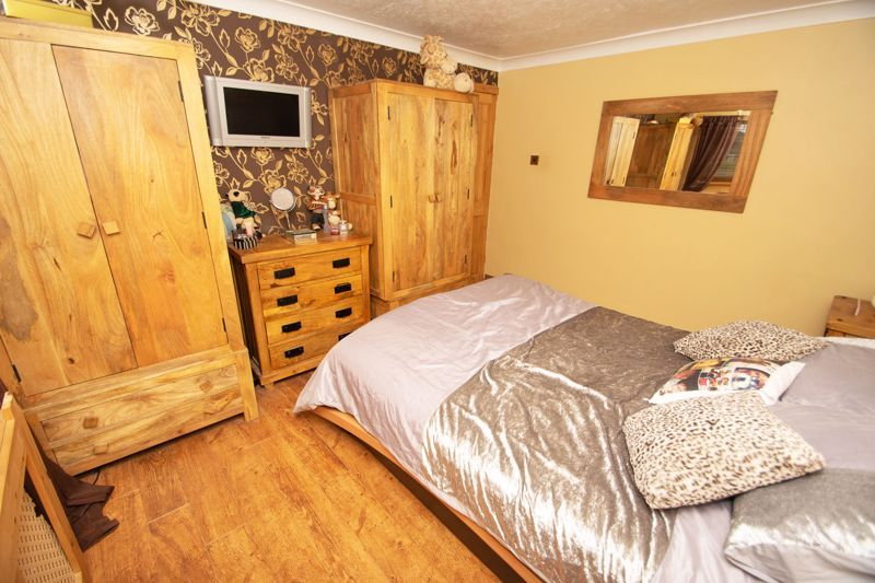 3 bed house for sale in Bournebrook Crescent  - Property Image 18