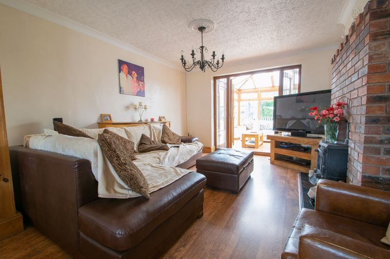 3 bed house for sale in Bournebrook Crescent 3