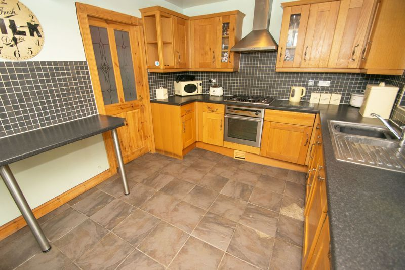 3 bed house for sale in Bournebrook Crescent 5