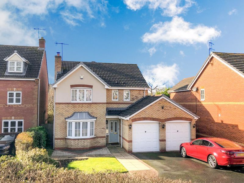 4 bed house for sale in Alhambra Road  - Property Image 1
