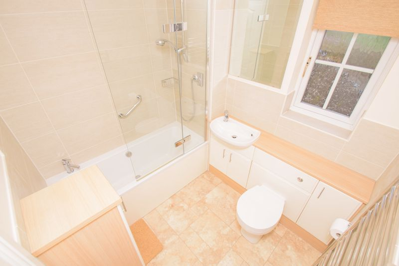4 bed house for sale in Alhambra Road 12