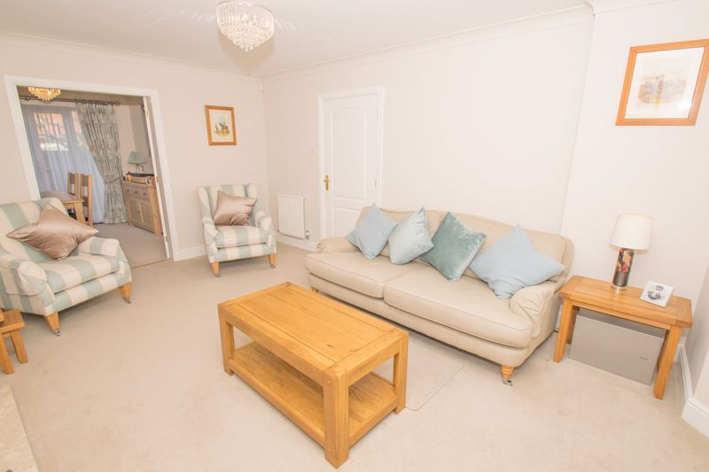 4 bed house for sale in Alhambra Road  - Property Image 3