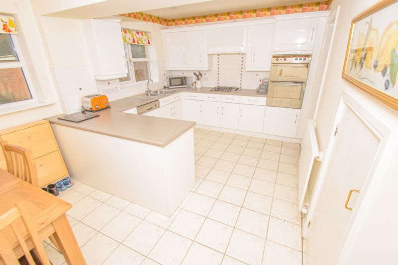 4 bed house for sale in Alhambra Road 5