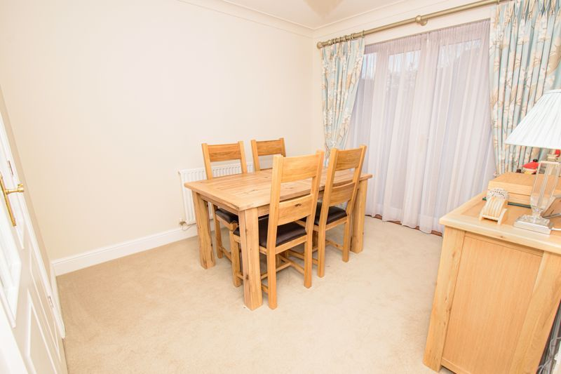 4 bed house for sale in Alhambra Road 6