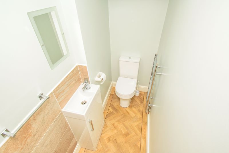 4 bed house for sale in Alhambra Road  - Property Image 7