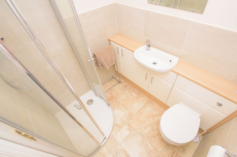4 bed house for sale in Alhambra Road 9