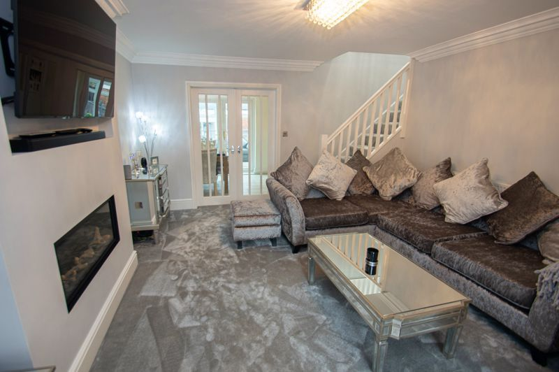 3 bed house for sale in Nottingham Way  - Property Image 3
