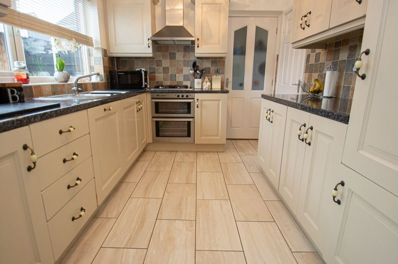 3 bed house for sale in Nottingham Way  - Property Image 6