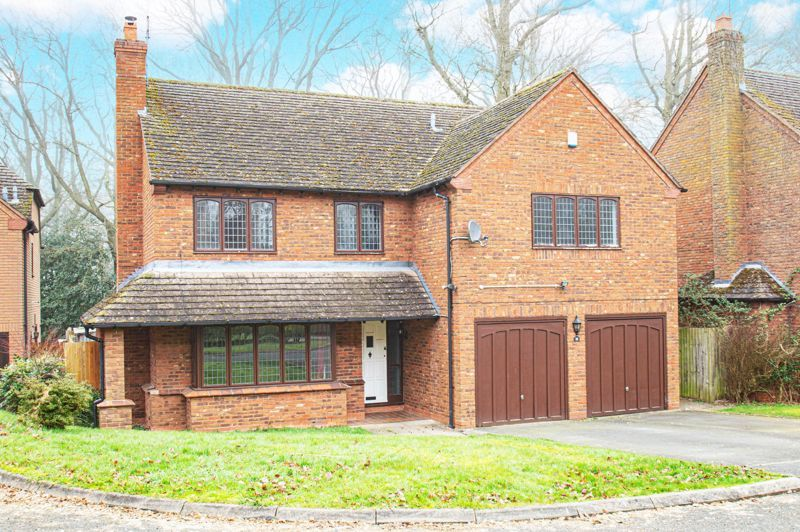 5 bed house for sale in Purshall Close 1