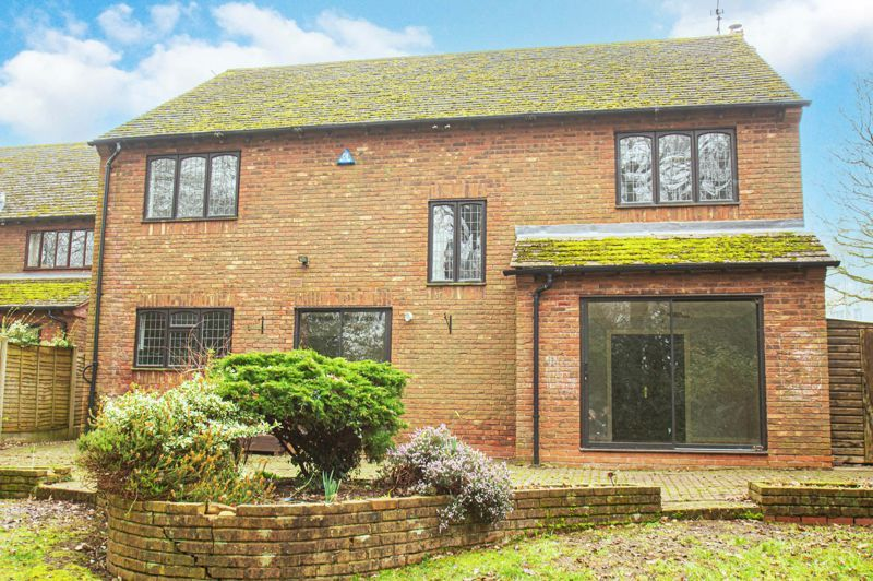 5 bed house for sale in Purshall Close 12