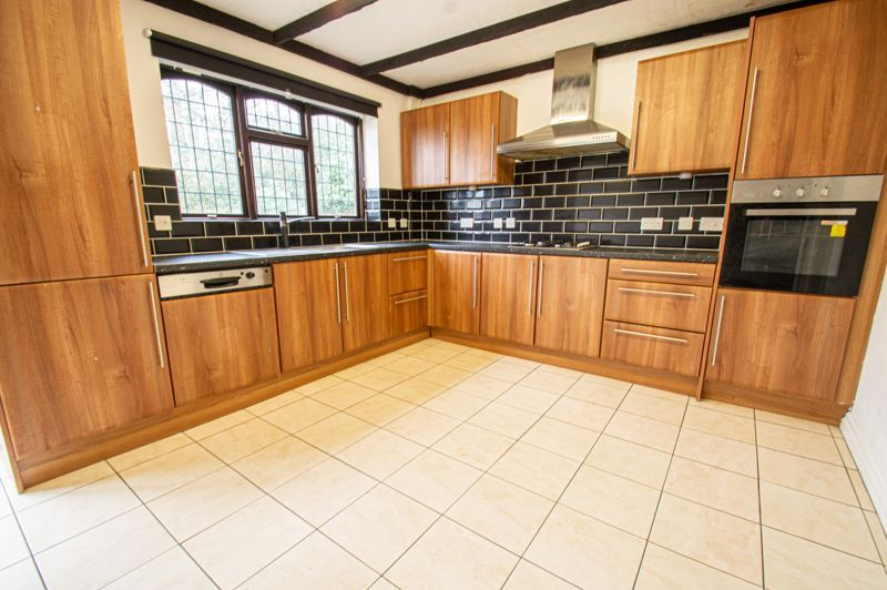 5 bed house for sale in Purshall Close 17