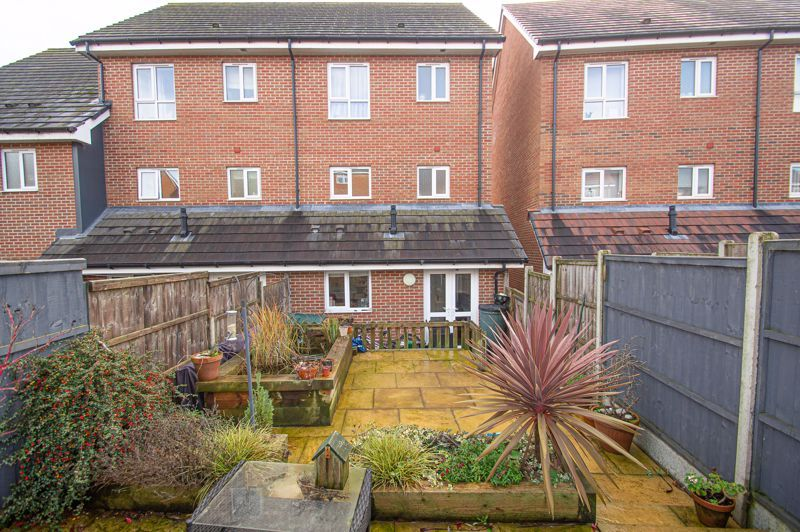 4 bed house for sale in Arlingham Avenue 13