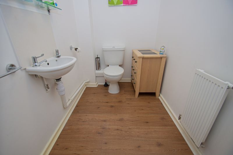 4 bed house for sale in Arlingham Avenue 4