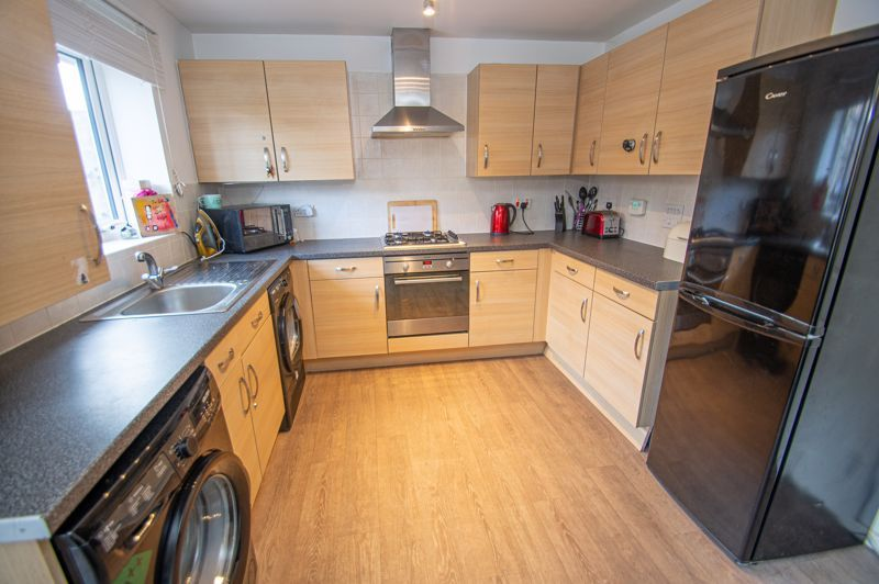 4 bed house for sale in Arlingham Avenue 5