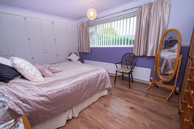 3 bed house for sale in Leavale Road 6