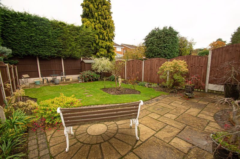 3 bed house for sale in Leavale Road 10