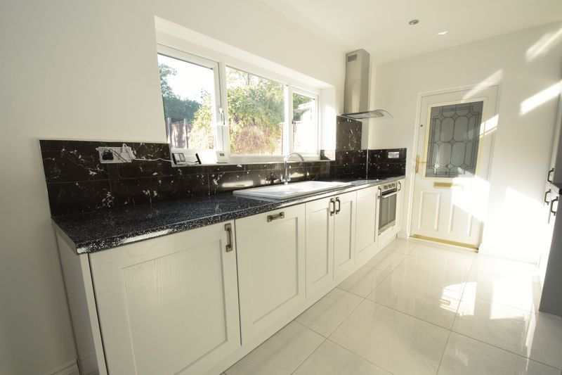3 bed house to rent in Pine Tree Close  - Property Image 9