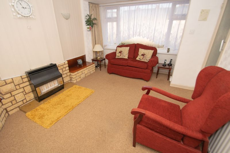 3 bed house for sale in Sunbury Road 2