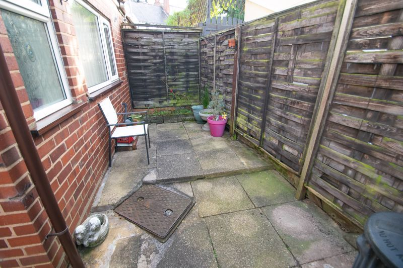 3 bed house for sale in Sunbury Road 13