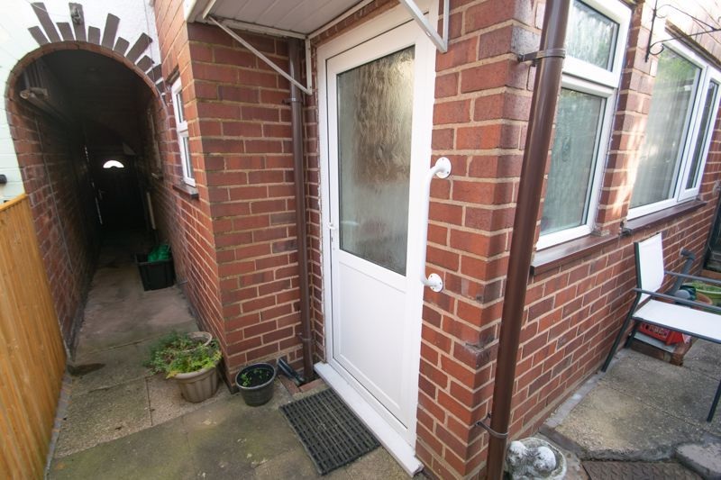 3 bed house for sale in Sunbury Road 14