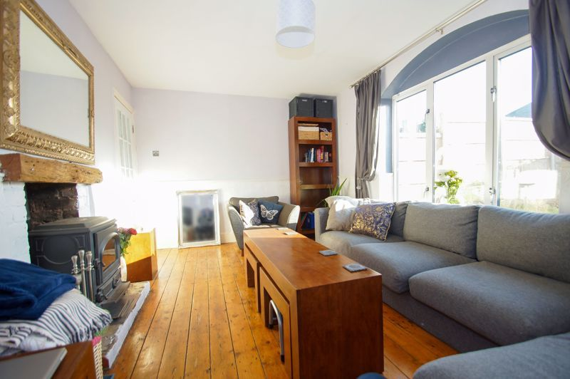 2 bed house for sale in Holcroft Road  - Property Image 4