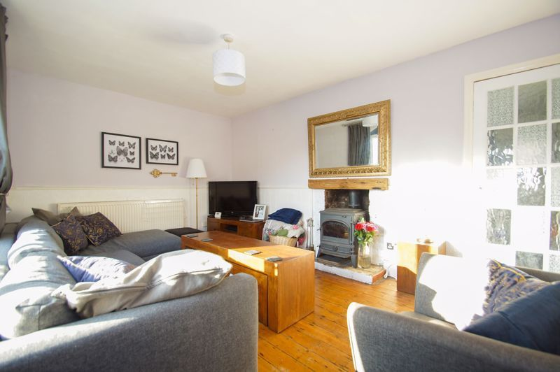 2 bed house for sale in Holcroft Road  - Property Image 5