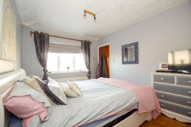 2 bed house for sale in Holcroft Road 6