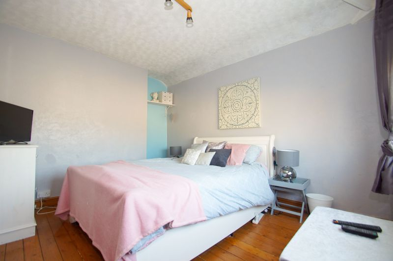 2 bed house for sale in Holcroft Road 7