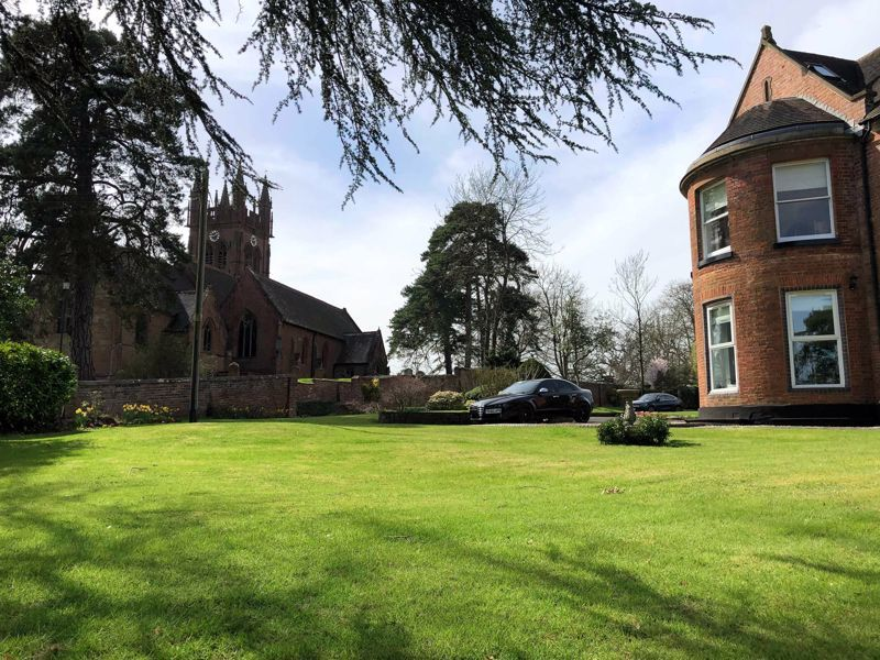 2 bed flat for sale in Bridgnorth Road 12
